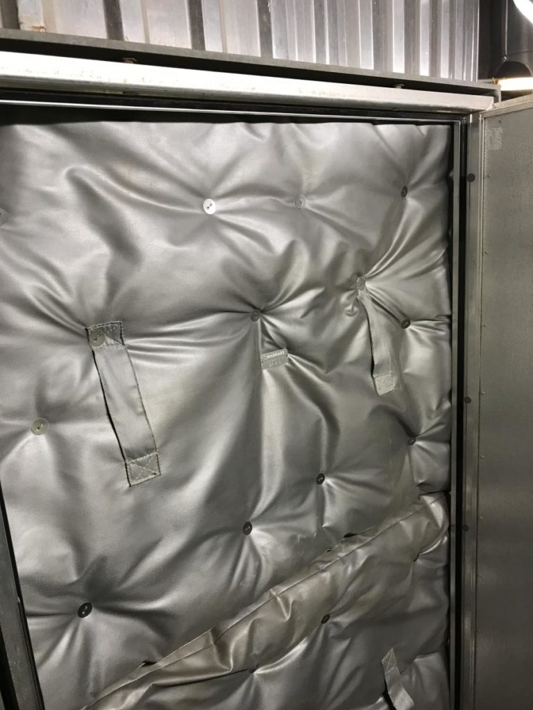 removable and reusable insulation covers - manhole cover